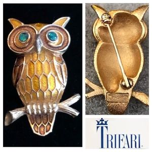Vintage TRIFARI Gold Tone Owl Brooch   Gift Idea for Her  Crown Trifari  Owl Jewelry  Designer Vintage Jewelry  Owl Pin